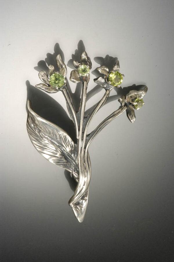 Bent Leaf Pin